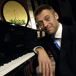 Pianist Andy Mokrus
